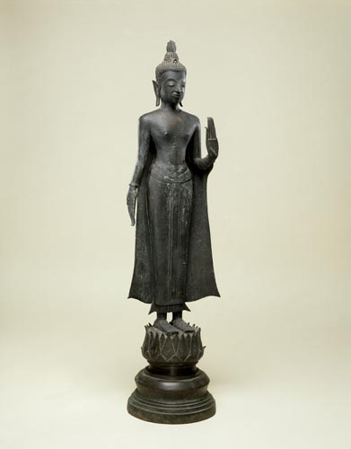 Buddha Standing and Dispelling Fear