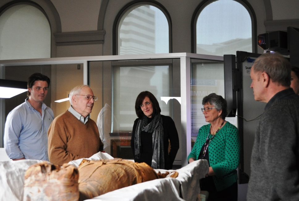 Members of the Egyptian section speaking to Dr. Zimmerman around PUM I's remains.