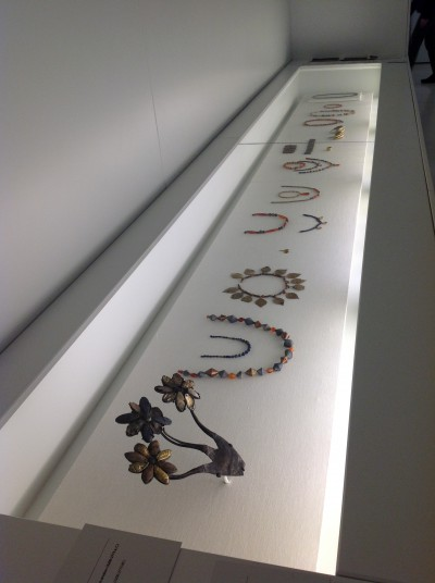 Penn Museum Jewelry from Ur ready for their labels.