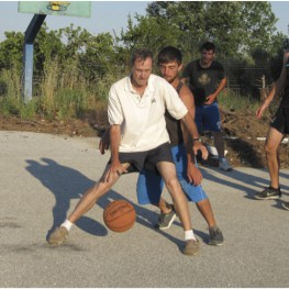Basketball in Pagouria: Tom Tartaron (UPenn), Elias Koytsoykanidis, Periklis Chrysafakoglou (Demokrates University, Komotini), and Simon Oswald (UCLA)