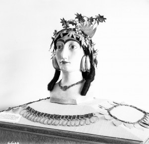 Model head created by Leon Legrain for display of Puabi's headdress. Penn Museum Archival Photo 8312.