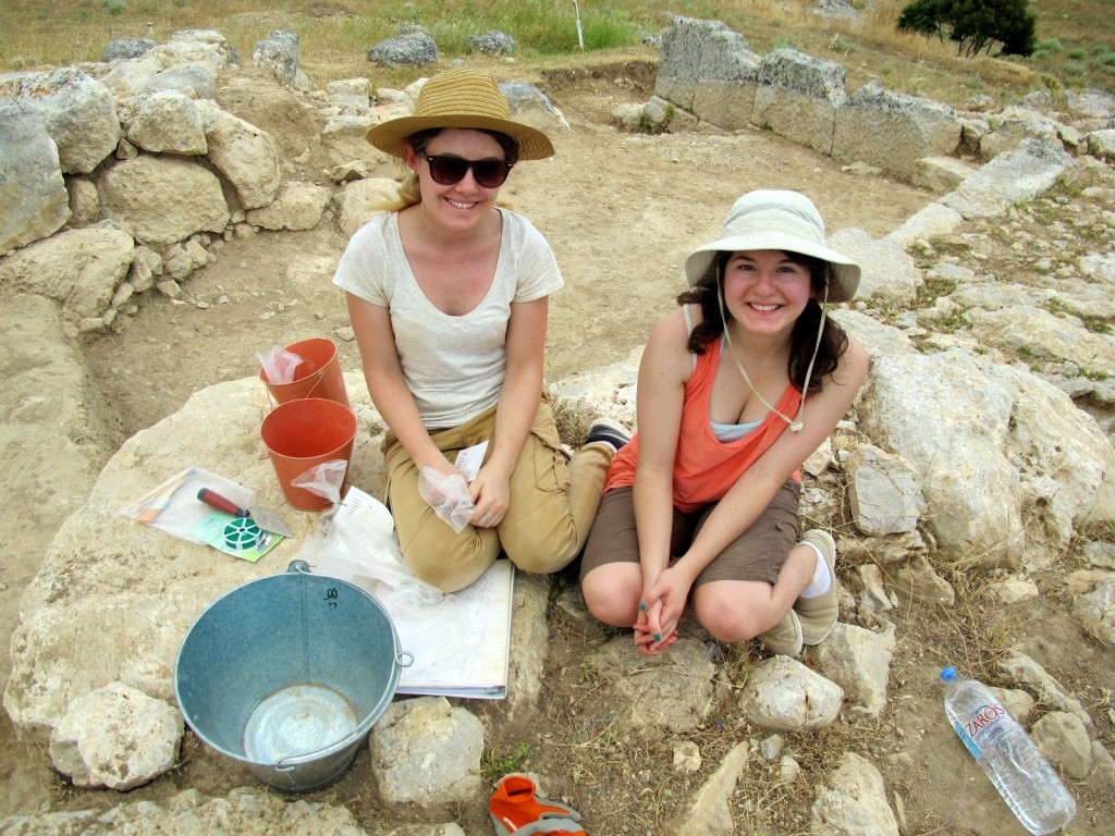 Newby Ashley Hopper and returning student Arianna Nagle (both University of Victoria) were my first-ever trench workers.