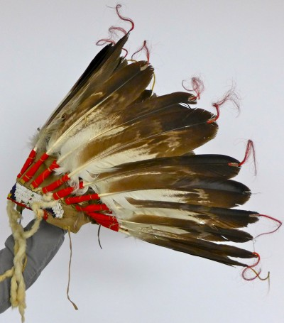 Western Plains style headdress owned by Elijah Tahamont, courtesy of Dellenbaugh family. Photo by Margaret Bruchac.