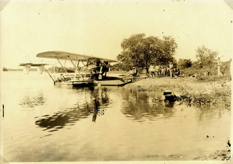 Expedition plane at Descalvados