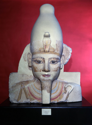 Ramesses_head in Upper Egypt