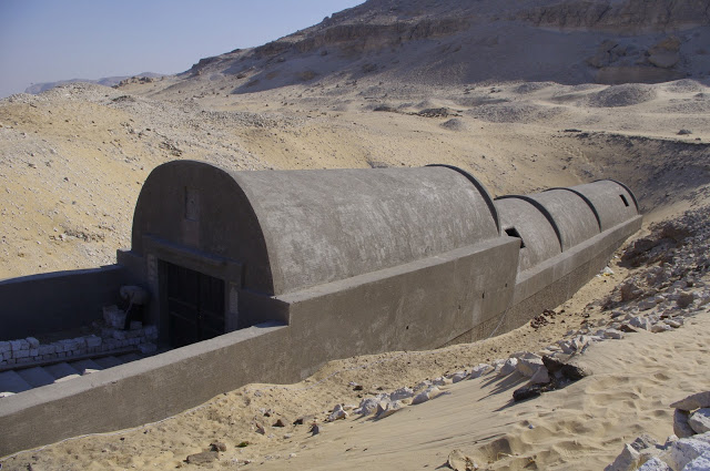 The new tomb covering over the entrance to the tomb of Senwosret III (this photo was taken before the covering was plastered and painted to blend into the surrounding desert).