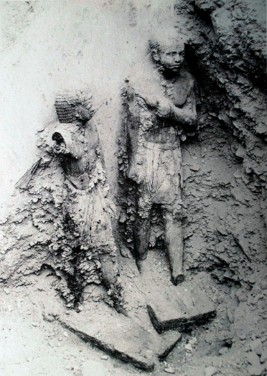 Example of the burial environment of two wooden Egyptian  Statues in Saqqara (from HARVEY, Wooden statues of the Old Kingdom, plate I).