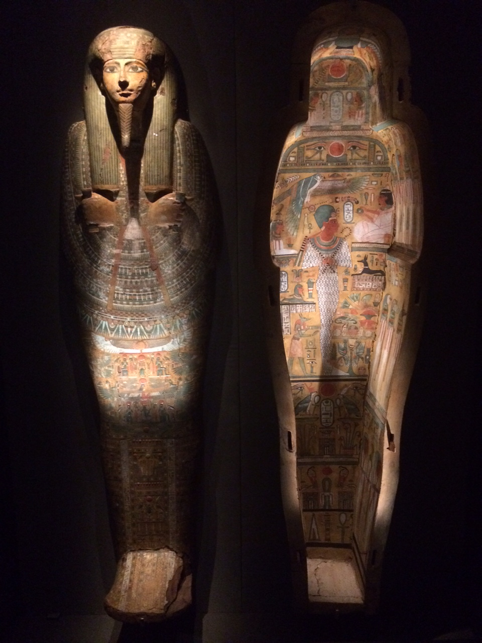 The coffin of Neskhons, on loan to HMNS from a private collection
