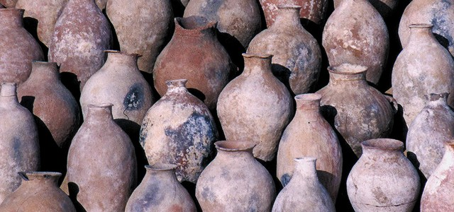 5,100 year old chemical evidence for ancient medicinal remedies is discovered in ancient Egyptian wine jars. New archaeochemical evidence, backed up by increasingly sophisticated scientific testing techniques, are pointing to […]
