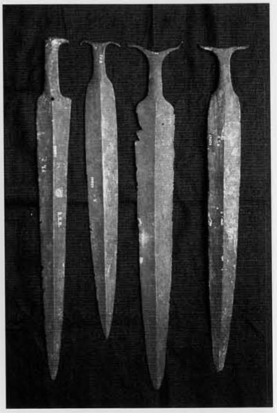 Fig9. Swords from Fathgarh in the Ganges-Yamuna Doab. The absence of use-wear on many hoard artifacts suggests a ritual purpose. (Indian Museum, Calcutta)