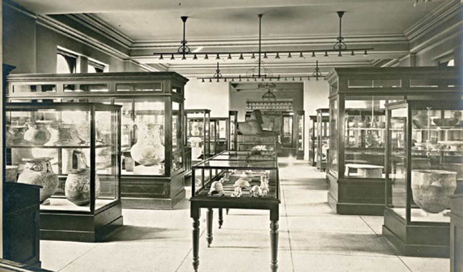 The sphinx is placed on the museum's second floor just inside the main entrance, ca. 1918.