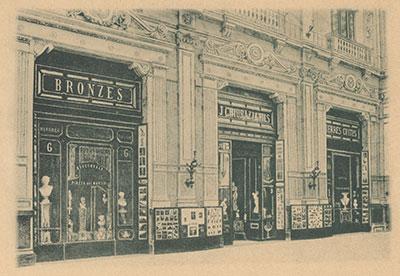 Chiurazzi & Fils shop front in the Galleria Principe di Napoli, ca. 1900. From J. Chiurazzi & Fils, Fournisseurs de Cours et Musées. Salles d'Exposition et Vente. Naples. Milan 1900.