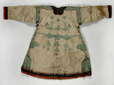 A Nivkhi woman's coat of fish skin is made in the Chinese style. UPM object #2003-43-9.