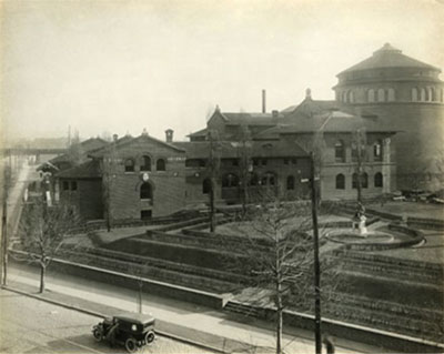 The Penn Museum building and Pepper Garden, ca. 1924. The garden was demolished in 1959 to make way for 33rd Street. UPM image #180946.