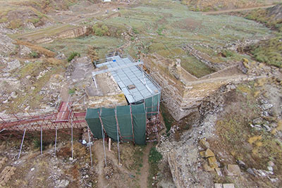 Aerial view of the Early Phrygian Gate during conservation work. Photograph by Lucas Stephens, 2015.