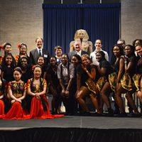 photo of students and mayor