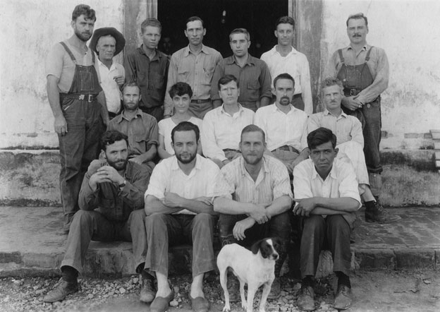 Top row: Alexander (Sasha) Siemel, George Rawls, Oliveira, Charles Lorber, Vincenzo Petrullo, Arthur Rossi, Vladimir Perfilieff, Middle row: Floyd Crosby, Alif Crosby, E.R. Fenimore Johnson, John S. Clarke, David Newell.  Front row: Hoopes, Ainslee Davis, Does and Sauceda. #25541